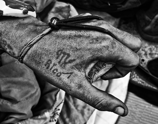 A dollar in the hand © Evin Daly