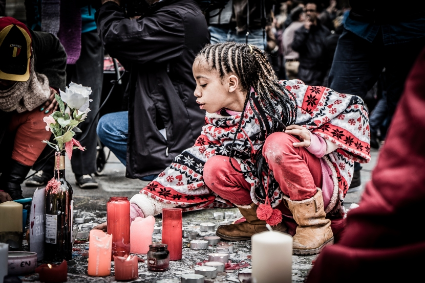 Peace_Girl_Brussels_1